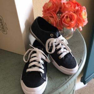 Choach shoes